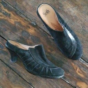 Sofft suede leather slip on shoes mules 8.5M